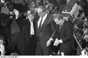 Hannelore and Helmut Kohl at the election in 1983