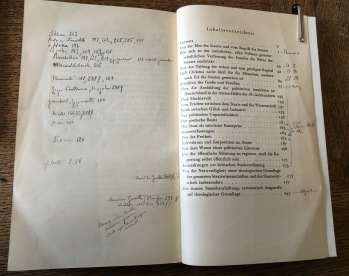 Notes inside Adam Müller's Schriften zur Staatsphilosophie (9007.c.3837)