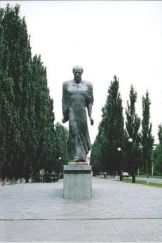 201610_statue